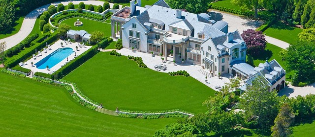 What's Hot: A Handsome Hamptons Estate