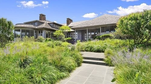 Late-Season Sales Hit the Hamptons
